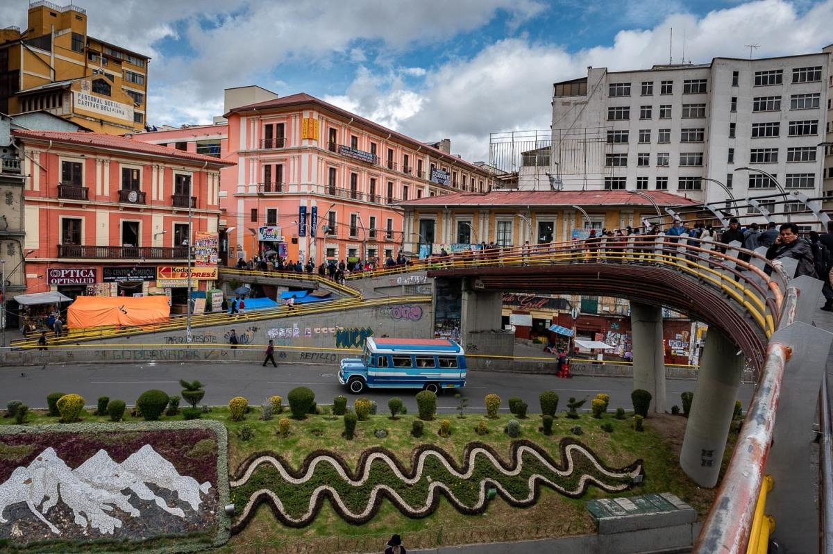 Pedestrial crossing at Avenida Perez Velasco, La Paz, Bolivia.