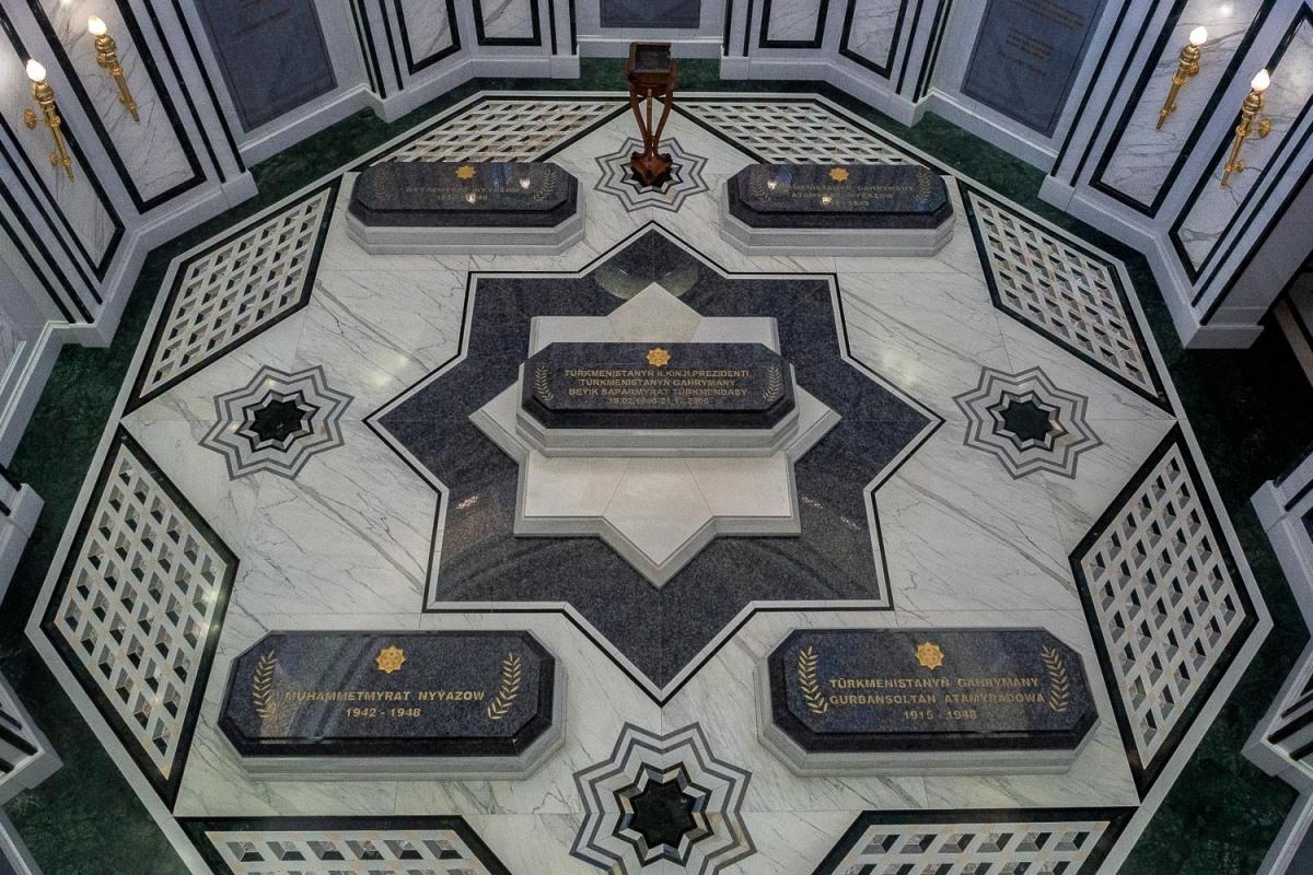 Turkmenbashi's mausoleum, Ashgabat, Turkmenistan.