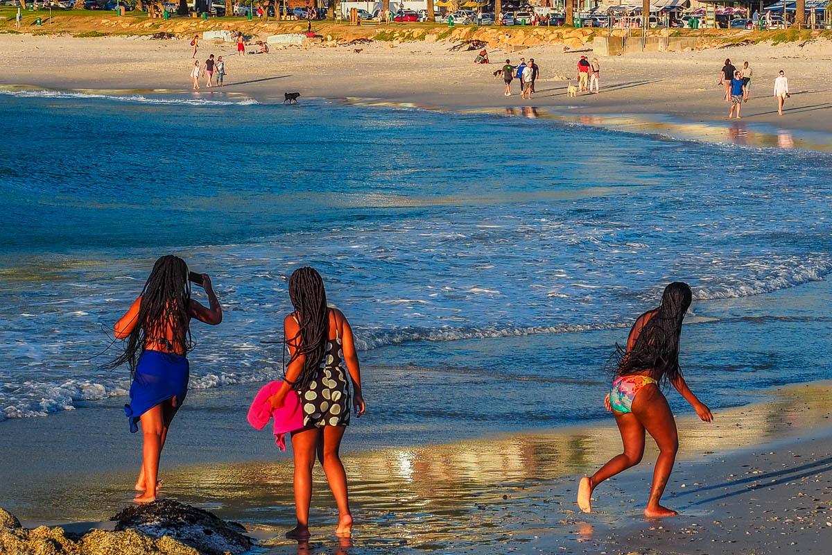 Travelgrapher.com-Inspire-South-Africa-Camps-Bay-Beach-Girls