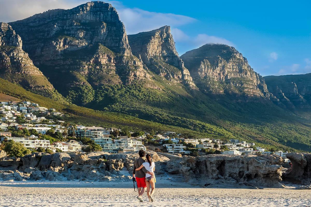 Travelgrapher.com-Inspire-South-Africa-Camps-Bay-Couple