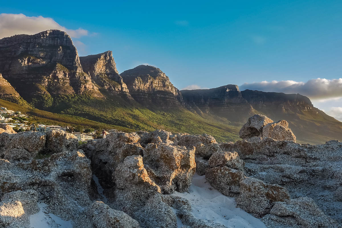 Travelgrapher.com-Inspire-South-Africa-Camps-Bay-Mountains