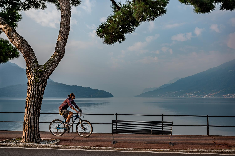 Travelgrapher.com-Inspire-Italy-Lake-Como-Domaso-Guy-Cycling