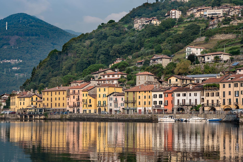Travelgrapher.com-Inspire-Italy-Lake-Como-Domaso-Water-Reflections