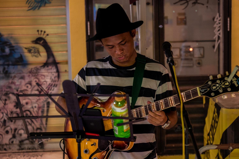Travelgrapher.com-Inspire-Singapore-Arab-Street-Live-Music