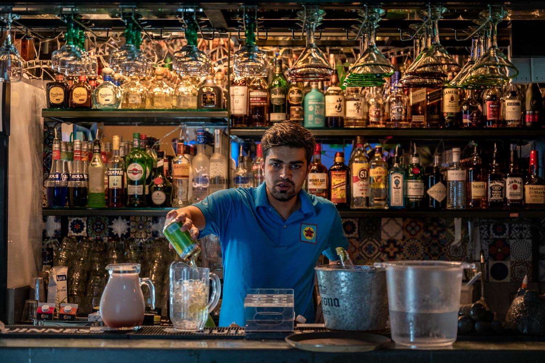 Travelgrapher.com-Inspire-Singapore-Duxton-Hill-Bartender