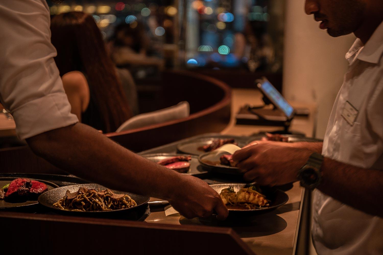 Travelgrapher.com-Inspire-Singapore-Rooftop-Bars-Level-33-Serving