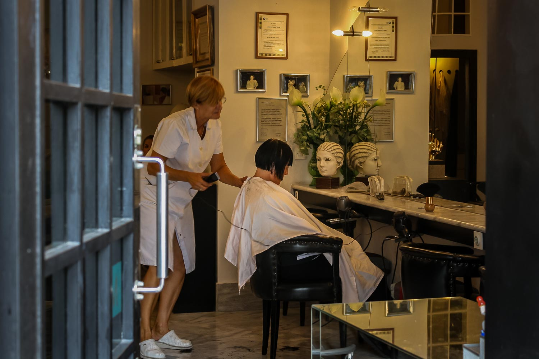 Travelgrapher.com-Inspire-Croatia-Zagreb-Hairdresser
