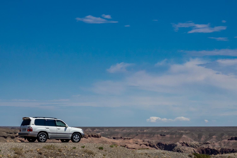 Travelgrapher.com-Inspire-Kazakhstan-Charyn-Canyon-Car