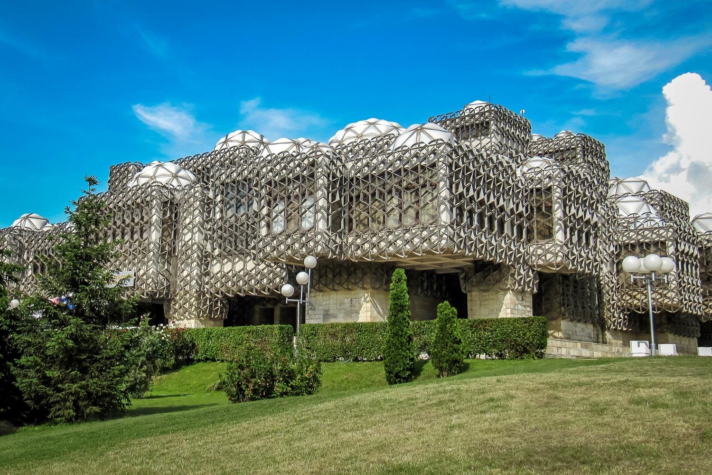Travelgrapher.com-Inspire-Kosovo-Pristina-National-Library-Building