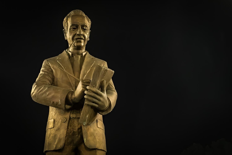 Travelgrapher.com-Inspire-Macedonia-Skopje-Statue