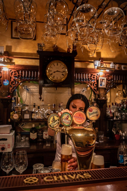 Travelgrapher.com-Inspire-Czech-Republic-Karlovy-Vary-Bar