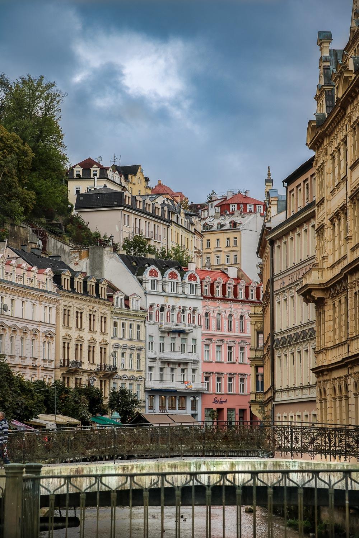 Travelgrapher.com-Inspire-Czech-Republic-Karlovy-Vary-Bridge