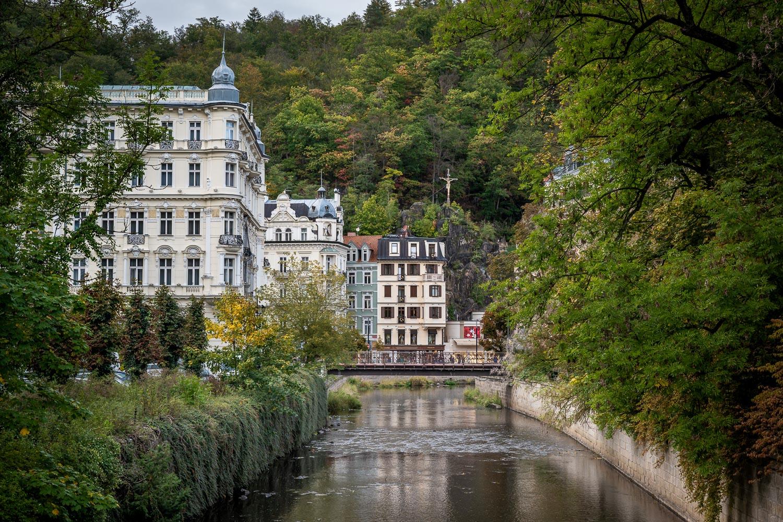 Travelgrapher.com-Inspire-Czech-Republic-Karlovy-Vary-River