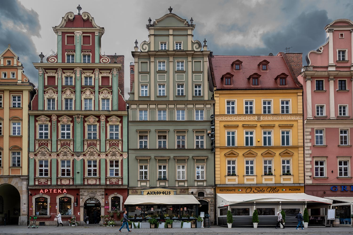 Travelgrapher.com-Inspire-Poland-Wroclaw-Old-Town-Houses