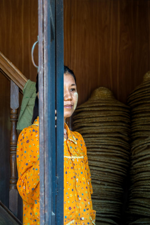 Travelgrapher.com-Inspire-Myanmar-Lekkapin-Village-Woman-Hats