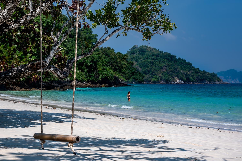 Travelgrapher.com-Inspire-Myanmar-Mergui-Nyaung-Oo-Phee-Kyun-Beach-Swing